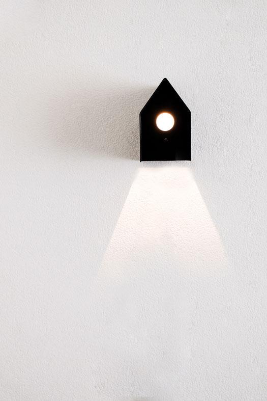 ferro bcn interiorismo hierro casita lampara negra